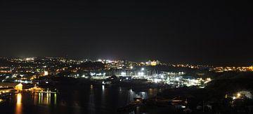 Willemstad, Curacao bij nacht van Atelier Liesjes