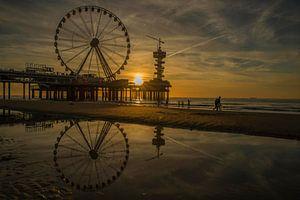 reflectie op het strand van Scheveningen