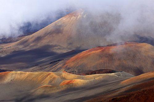 Volcano in the mist von Antwan Janssen