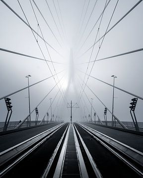 Le pont Erasmus dans le brouillard sur Jeroen van Dam