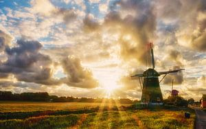 zonsondergang bij de drie molens van