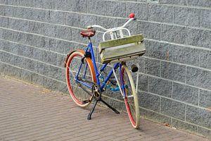 Lonely bike  van Marcel Huisman