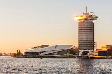 Het EYE-filminstituut en de A'Damwacht in Amsterdam van Werner Dieterich