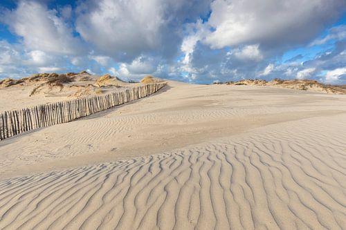 Prachtige Hollandse wolkenlucht in de duinen van Den Haag van