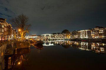 Amsterdams mooiste brug van Peter Bartelings Photography