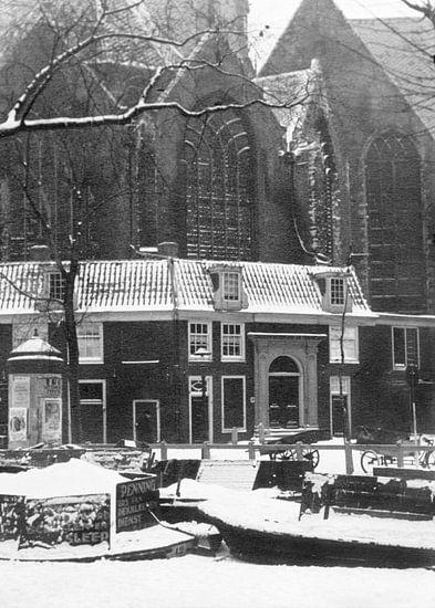 Amsterdam Oudekerksplein, 1941 van Ton deZwart