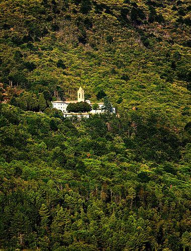 Italiaanse heuvel met klooster von Paul Teixeira