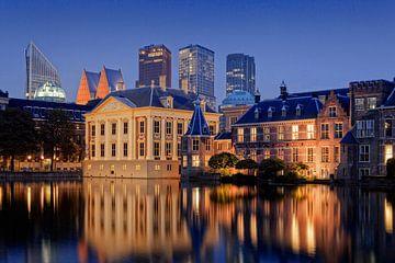 skyline van Den Haag gezien vanaf de Lange Vijverberg  van