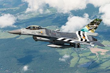 F-16 met 75 jaar D-Day schildering van Kris Christiaens