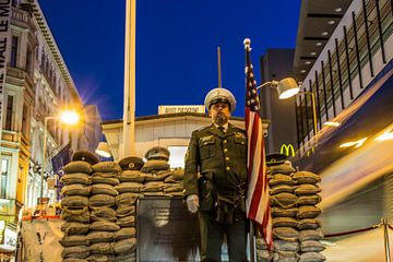 Checkpoint Charlie van Wouter Derks