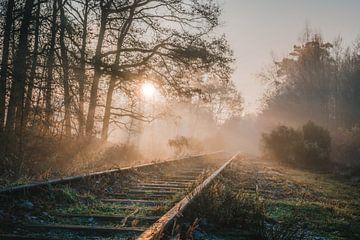 Zonsopgang bij de oude Borkensebaan treinspoor van Erwin Kamp