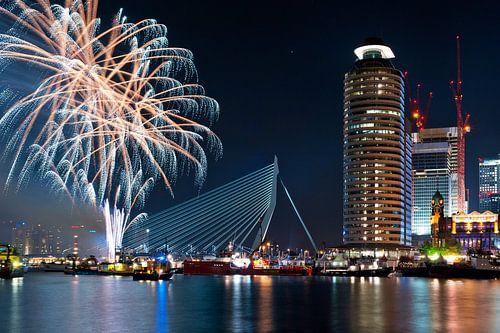 Meer vuurwerk! Rotterdam / Erasmusbrug / Kop van Zuid van