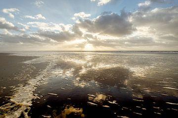 zonsondergang boven de noordzee von Michel Knikker