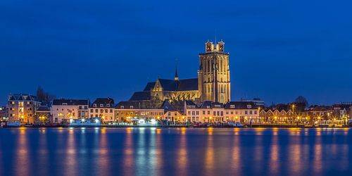 Skyline van Dordrecht met de Grote Kerk - 2 van