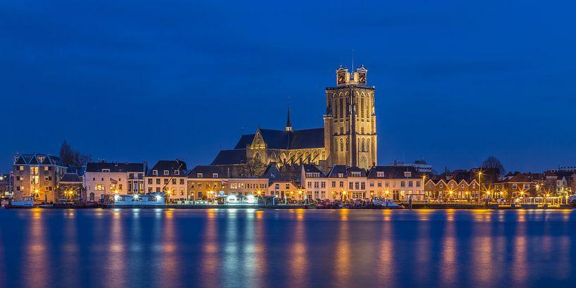 Skyline van Dordrecht met de Grote Kerk - 2 van Tux Photography