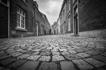 Ruelle noire et blanche de Maastricht sur Jeroen Mikkers