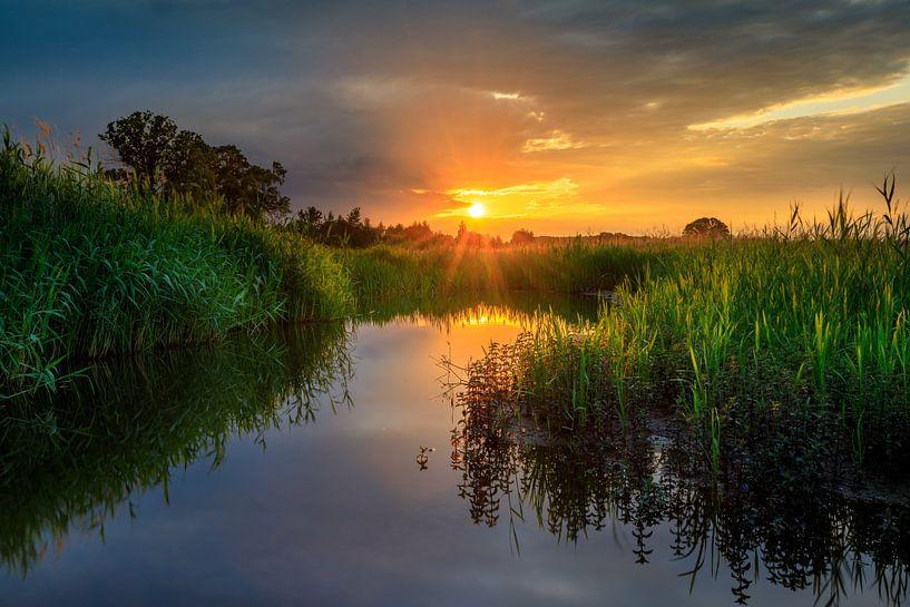 Als de zon nog even tussen de wolken door schijnt van Nando Harmsen