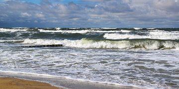 De kracht van de natuur - kribben in een storm van Reiner Würz / RWFotoArt
