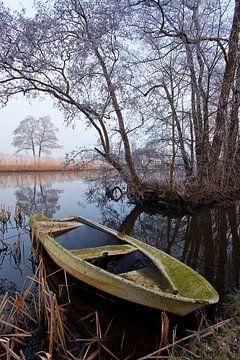 Versunkenes Boot von Halma Fotografie