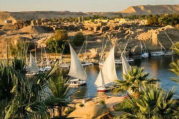 Zicht op de Nijl bij zonsondergang van Marcel Bakker
