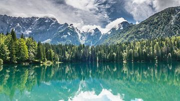 lac de montagne sur t.a.m. postma