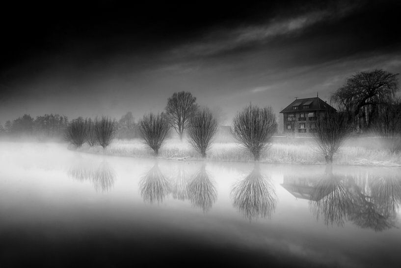 At the Edge van Ruud Peters
