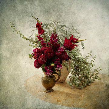 Stilleven met Rode Bloemen van Guna Andersone
