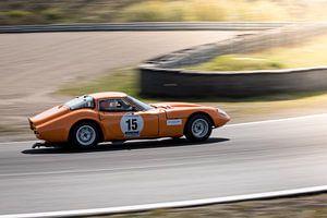 Marcos 1800 GT tijdens race op circuit Zandvoort