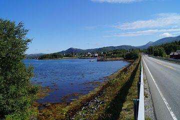 Straße bei Karvag von Bohnes Norwegenliebe
