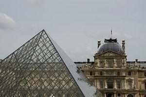 Modern en klassiek in het Louvre