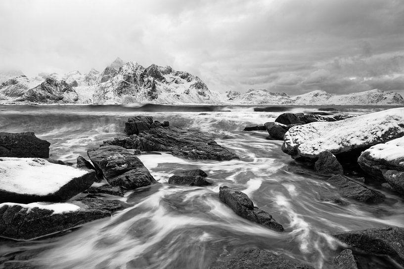 Winterlandschaft mit Brandung von Ralf Lehmann