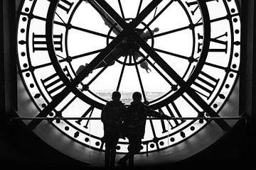 Silhouetten in de klok van Musee d'Orsay