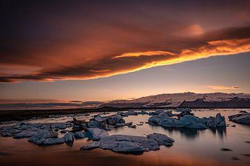 Goldener Sonnenuntergang am Jokulsarlon von Gerry van Roosmalen