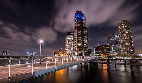 Avondfoto Kop van Zuid vanaf Katendrecht van