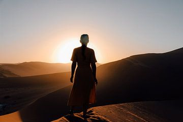 Vrouw bij zonsopkomst in Sossusvlei Nationaal Park, Namibie van Maartje Kikkert
