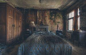 urbex: decayed bedroom