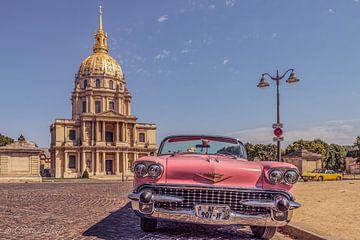 klassischer alter Cadillac in Paris. von Patrick Löbler