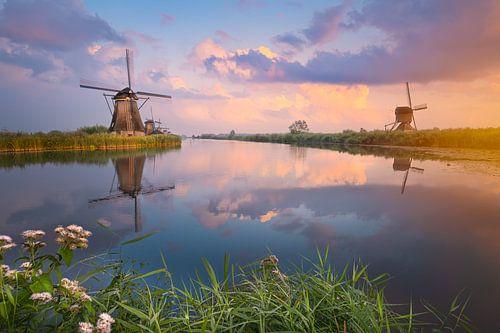 Kinderdijk Windmühlen bei Sonnenuntergang