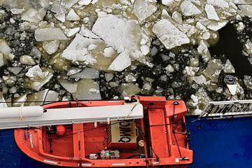 Reddingssloep en ijsschotsen van Gerda Beekers