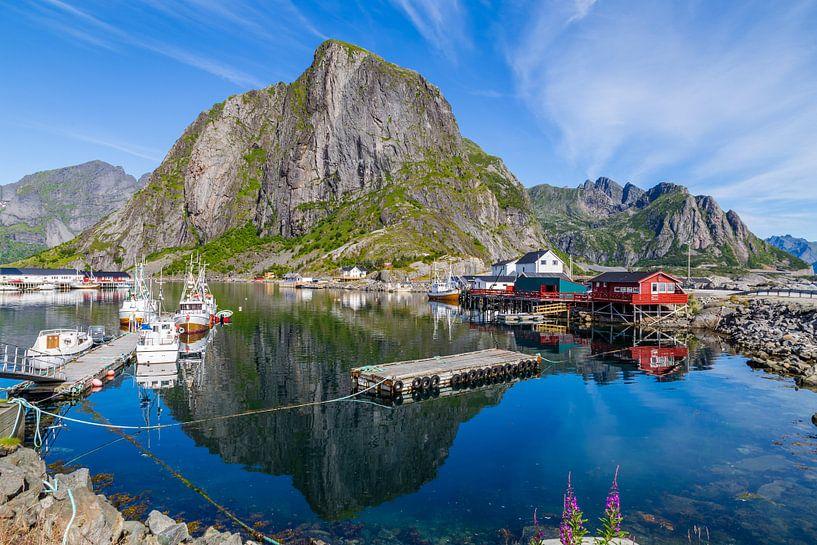 Schilderachtig Lofoten  in Noorwegen van Hilda Weges