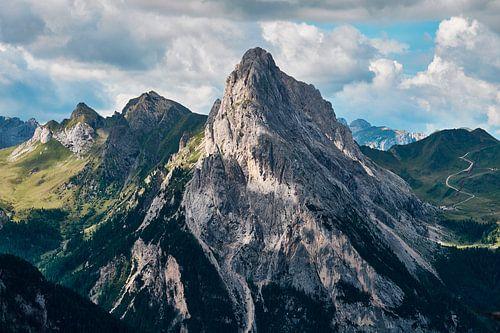 Spitse bergtop in Trentino van