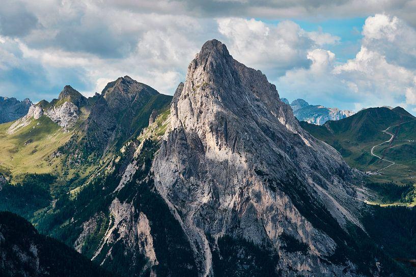 Spitse bergtop in Trentino van Jef Folkerts