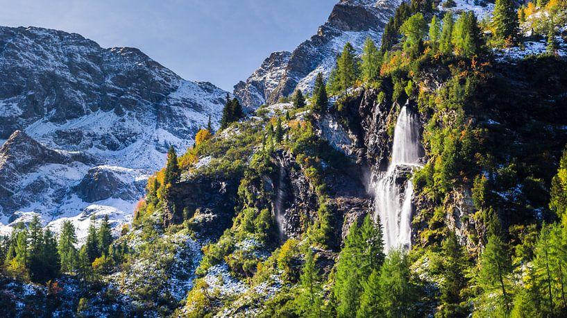 Waterval in de Bergen van Coen Weesjes