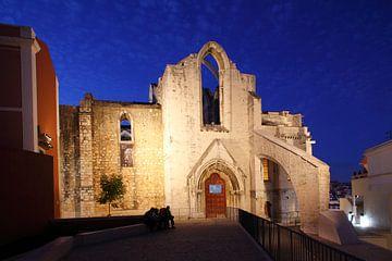 Convento do Carmo im Altstadtviertel Chiado  in der Abendd�mmerung  Lissabon, Portugal