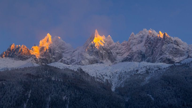Alpengloed Aiguilles de Chamonix van Menno Boermans
