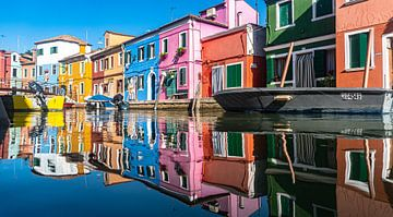 Schöne farbenfrohe Häuser in Burano von Klif Wiepkema