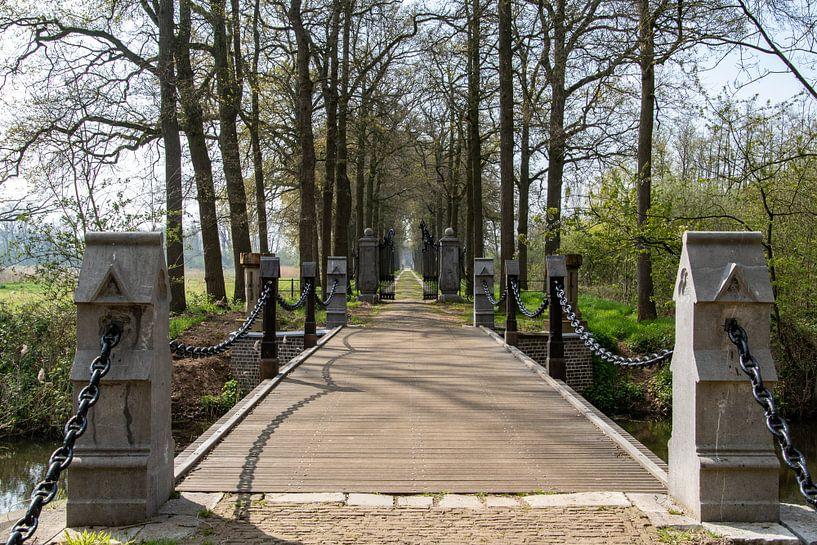 Gerestaureerde brug Kasteel Heeswijk van Ingrid Aanen