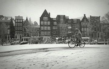 Winterlicher Schnee in Amsterdam von Marianna Pobedimova
