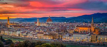 Perfekter Sonnenuntergang über Florenz von Teun Ruijters