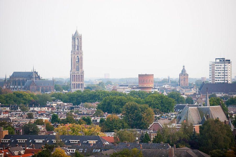 Blik op een herfstkleurig Utrecht.